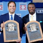 Griffey, Piazza make tearful Hall of Fame entries