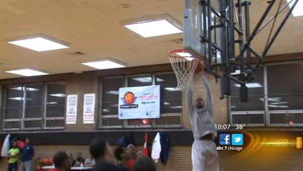 Windy City Hoops gives city youth basketball outlet