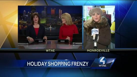Shoppers line up for deals on Thanksgiving Day