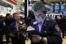 US stocks move sideways despite strong economic growth