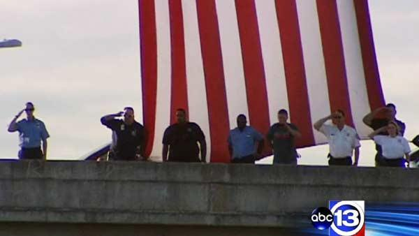 Fallen firefighter's body goes home to Bryan