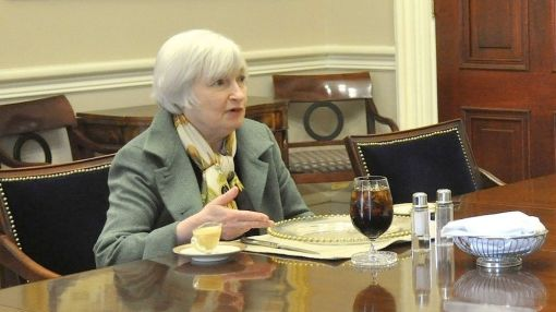 Federal Reserve Leaves Rates Steady, 'Near-Term Risks' Have 'Diminished'
