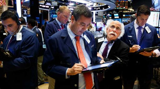 Apple, Boeing, Nike Biggest Dow Losers As Stocks Remain Stuck In Red