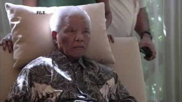 Nelson Mandela remains in critical condition