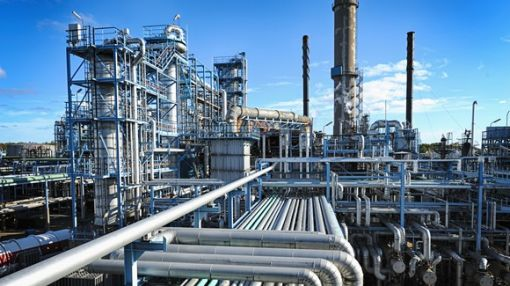 Forget Buffett Favorite Phillips 66: This Oil Refiner Is a Better Buy