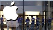 Apple investors underwhelmed by earnings