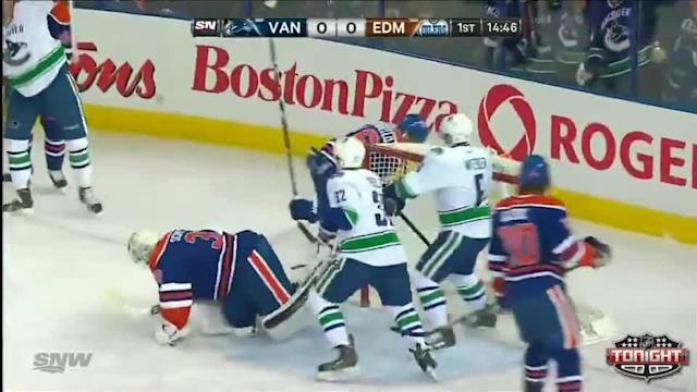 Vancouver Canucks at Edmonton Oilers - 01/21/2014