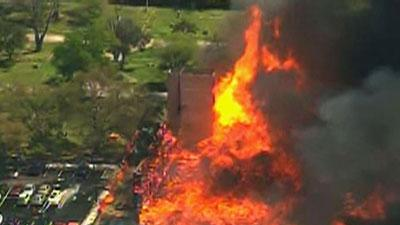 Raw: Firefighters Battle Houston Apartment Fire