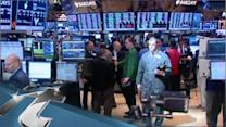 America Breaking News: Wall Street Falls as Bond Yields Hit High Dividend Stocks