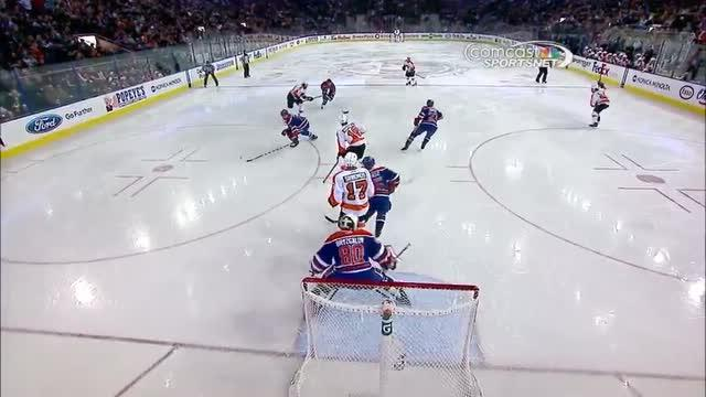 Simmonds deflects one past Bryzgalov
