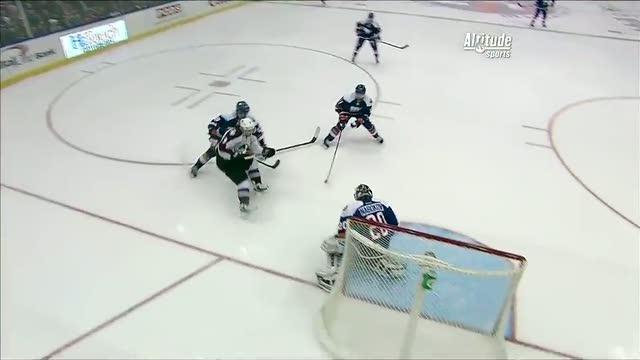 Matt Duchene stuffs it past Nabokov