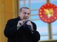 """""""Wir haben unseren Gott"""": Erdogan versucht mit einer wirren Rede die Krise in seinem Land kleinzureden"""